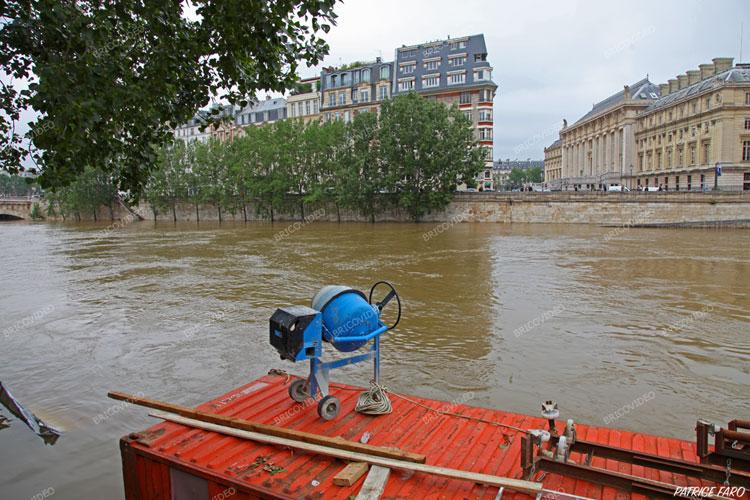 chantier complètement inondé Paris Juin 2016