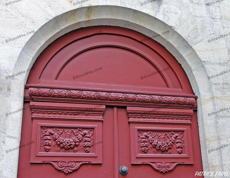 détail ancienne porte arrondie Paris