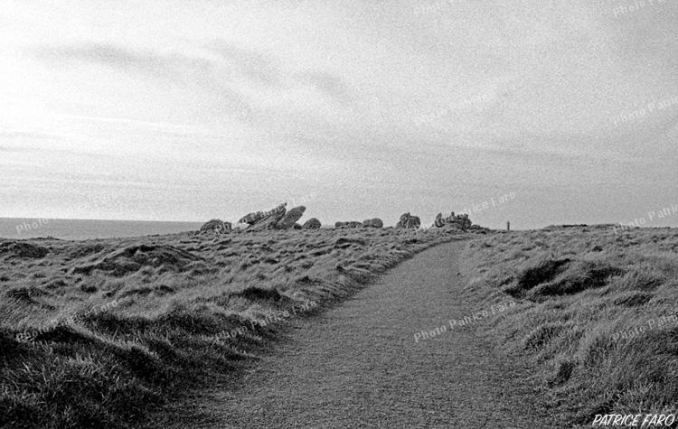 chemin campagne bretonne noir et blanc - Photo Patrice Faro