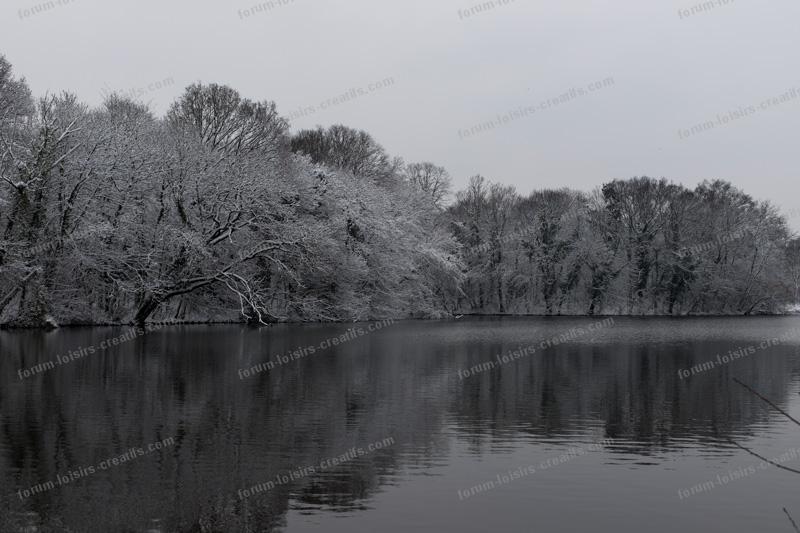 lac du Bois de Vincennes sous la neige