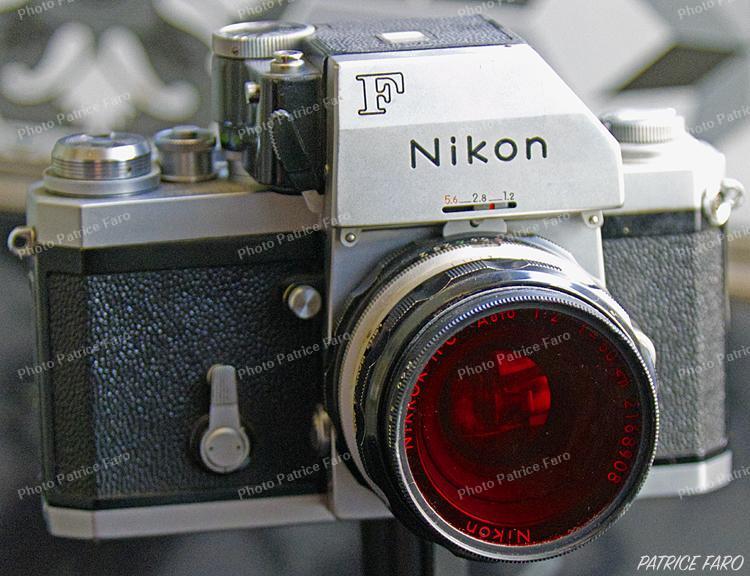 Mon fidèle Nikon F. Photo Patrice Faro