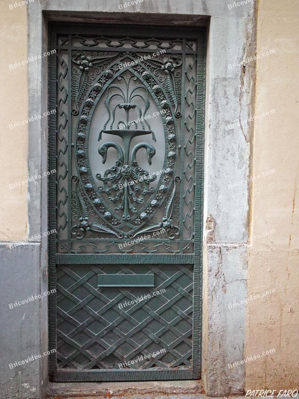 Porte Art Déco Paris. Photo Patrice Faro