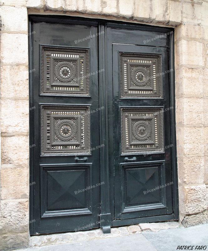 Porte bois métal - Photo Patrice Faro