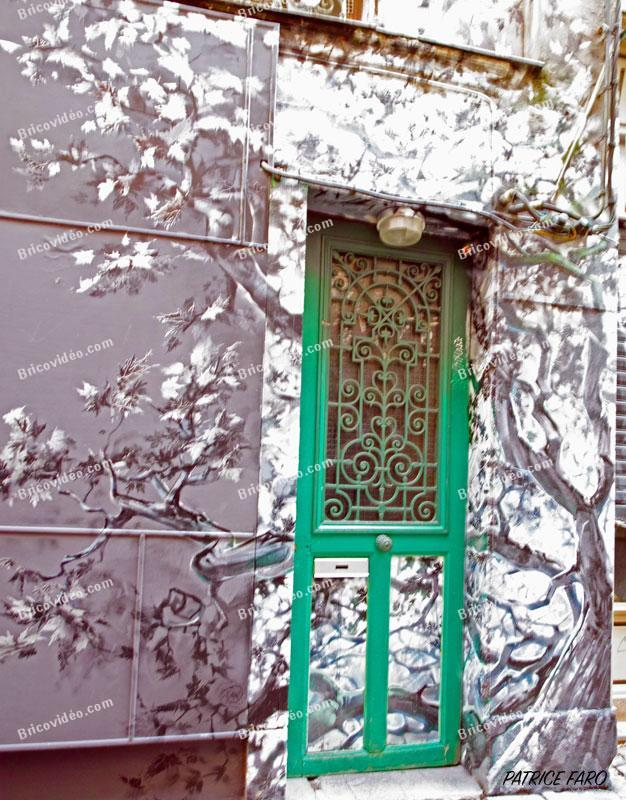 porte décorée Paris. Photo Patrice Faro