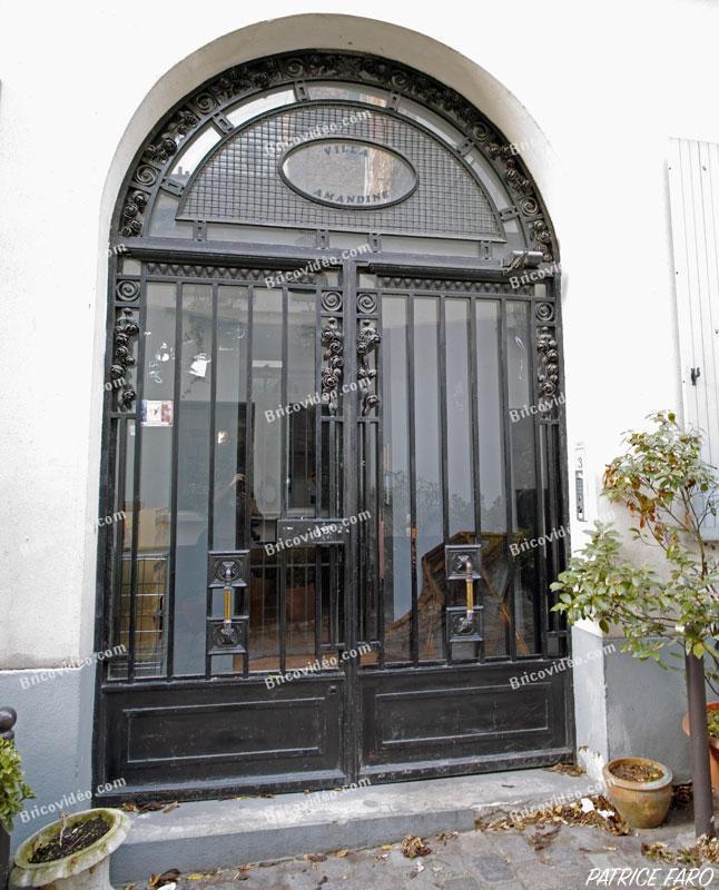 Photos portes anciennes paris portes en bois portes fer - Porte bois fer forge ...