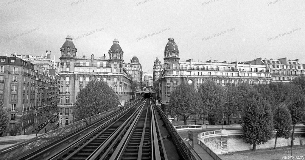 Retour à Paris noir et blanc - Photo Patrice Faro